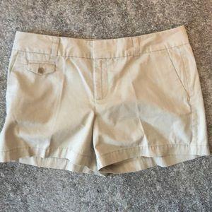 LOFT khaki shorts size 8 - NEW